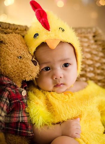 宝贝女儿六个月照片和全家福